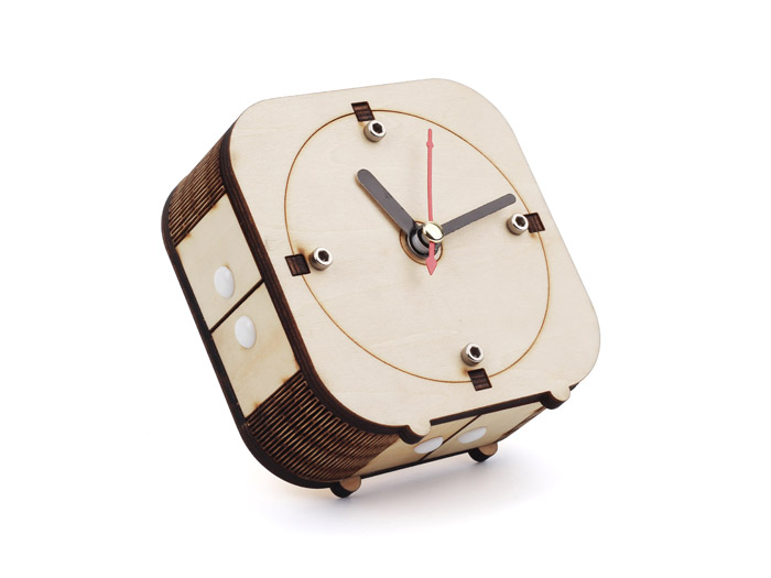 Back in Time - Make your wooden counter-clockwise clock