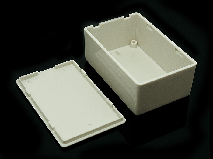General Plastic Case 28x44x70 mm